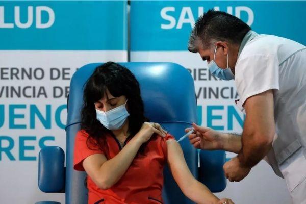 Vacunación contra COVID-19 para docentes y personal de establecimientos educativos